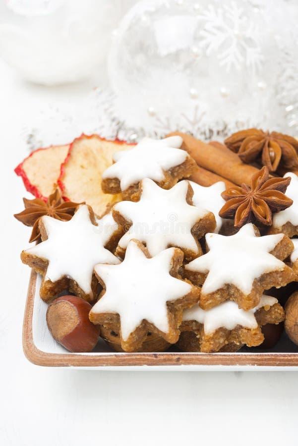 Gwiazdowi ciastka, dokrętki, pikantność obraz royalty free