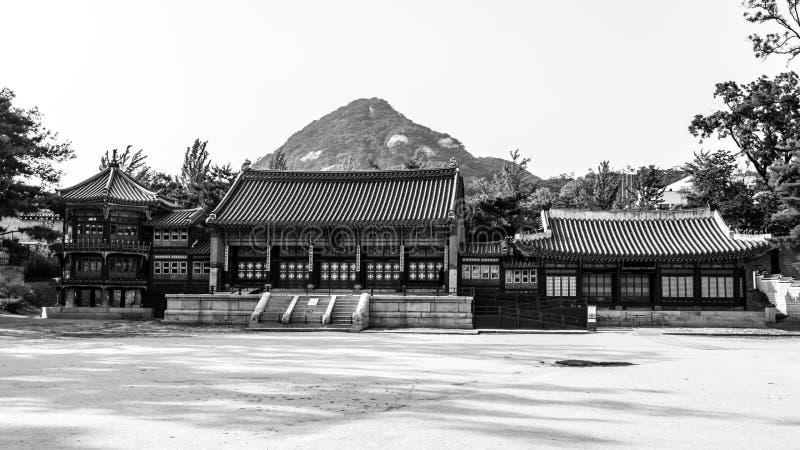 Gyeongbokgungpaleis, Seoel Traditionele Koreaanse architectuur stock afbeeldingen