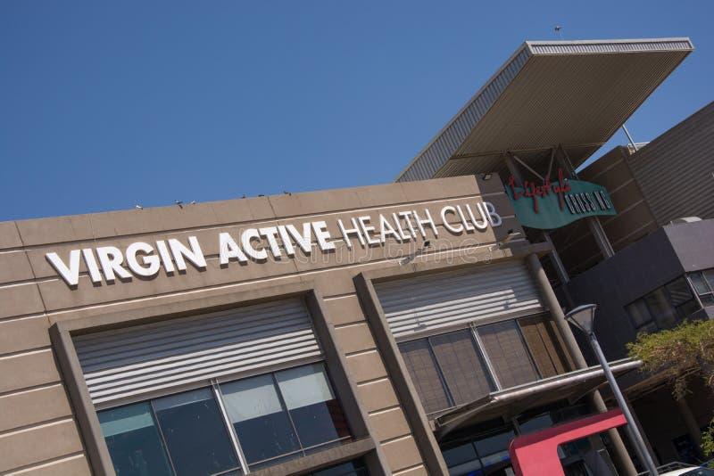 Gym ativo do Virgin em Roodepoort, Joanesburgo foto de stock