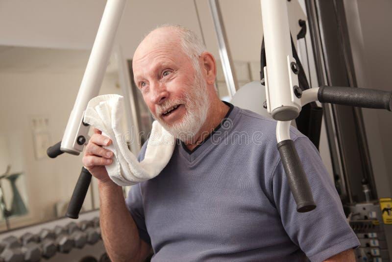 gym man perspiring senior στοκ εικόνα