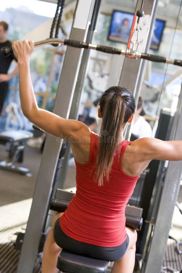 gym szkolenia ciężaru kobieta obraz stock