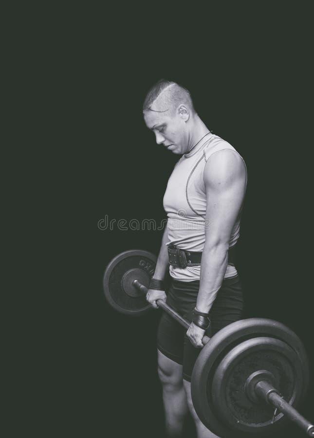 Gym trening Bodybuilding kobiety trening w gym fotografia royalty free