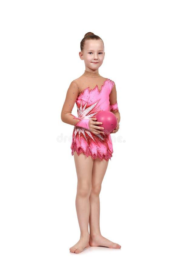 Gymnast μικρών κοριτσιών με τη σφαίρα στοκ φωτογραφία με δικαίωμα ελεύθερης χρήσης