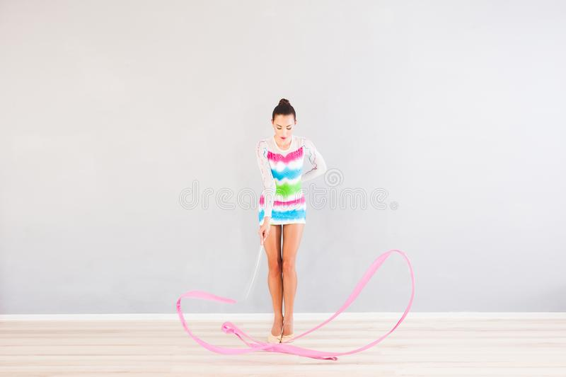 Gymnast com fita fotos de stock royalty free