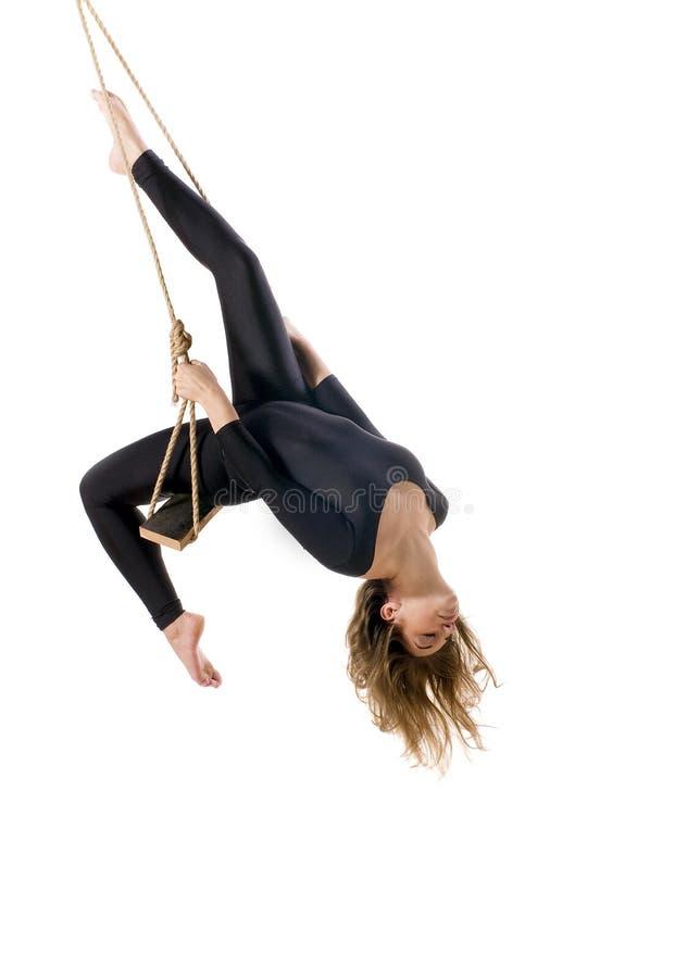 Gymnast da jovem mulher na corda fotos de stock royalty free