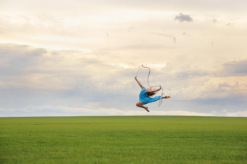 Gymnaste de vol images libres de droits