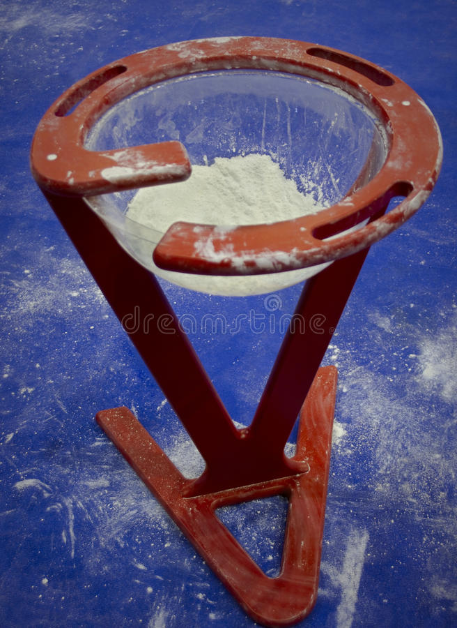 Gymnastic stand with talc