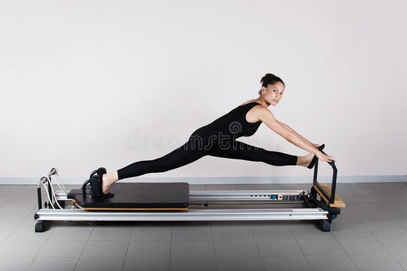 gymnastikpilates arkivfoton