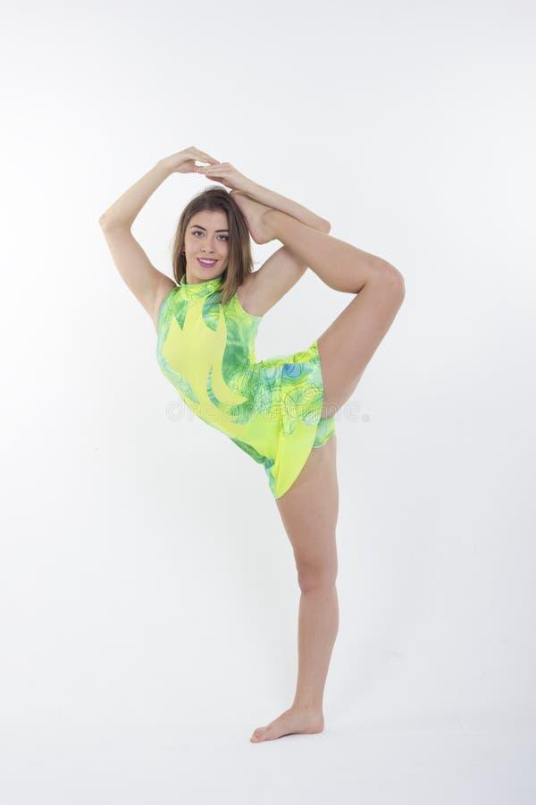 gymnastisk flicka royaltyfri foto
