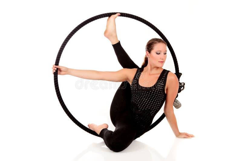 gymnastisk idrottsman nenkvinnlig royaltyfria bilder