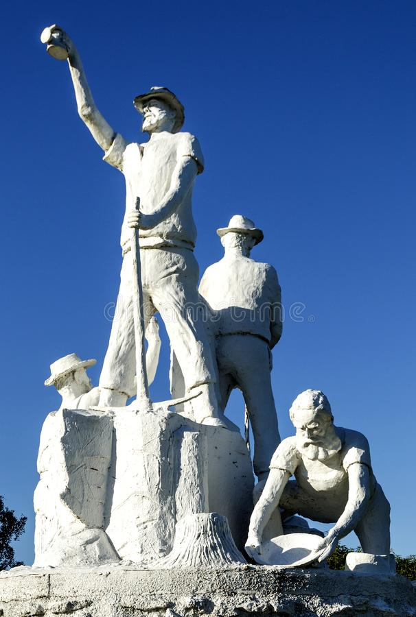Gympie - estátua dos escavadores de ouro fotografia de stock royalty free