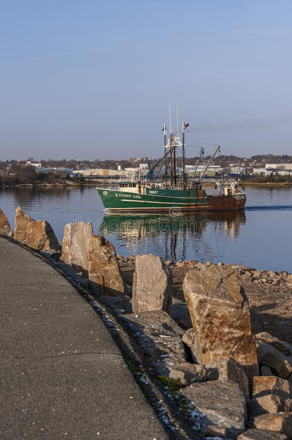 Gypsy Girl, imbarcazione di pesca commerciale, lascia New Bedford fotografia stock