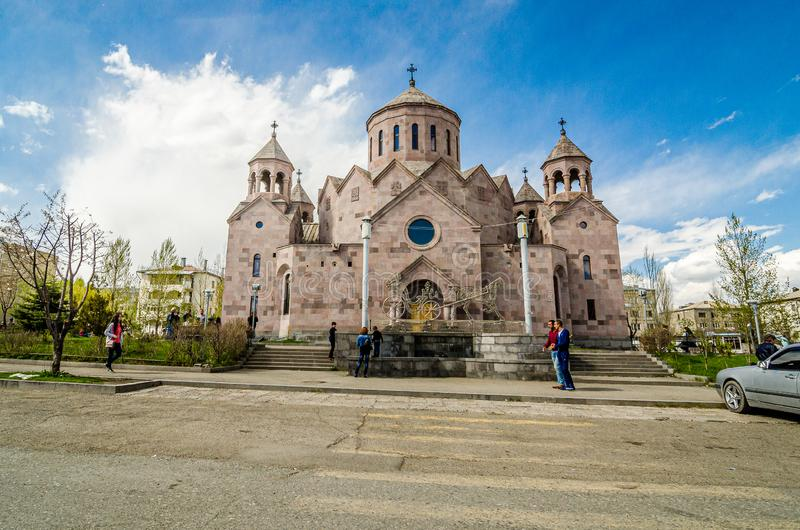 Gyumri, Armenië - Mei 9, 2017 Armeense kerk met drie torens royalty-vrije stock afbeelding