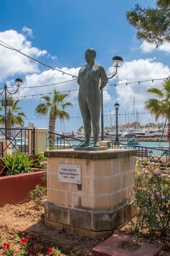 Gzira, Malta - 9 de maio de 2017: Memorial a Turu Rizzo fotos de stock