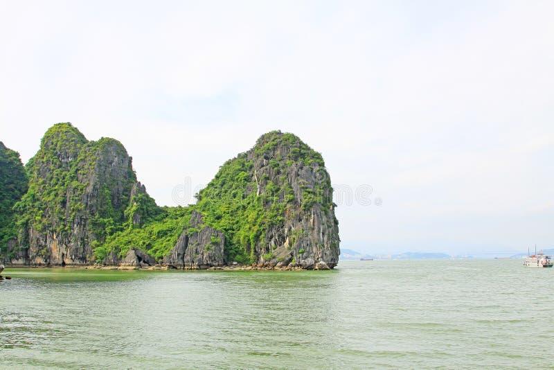 Ha Long Bay, Vietnam UNESCO World Heritage royalty free stock photos