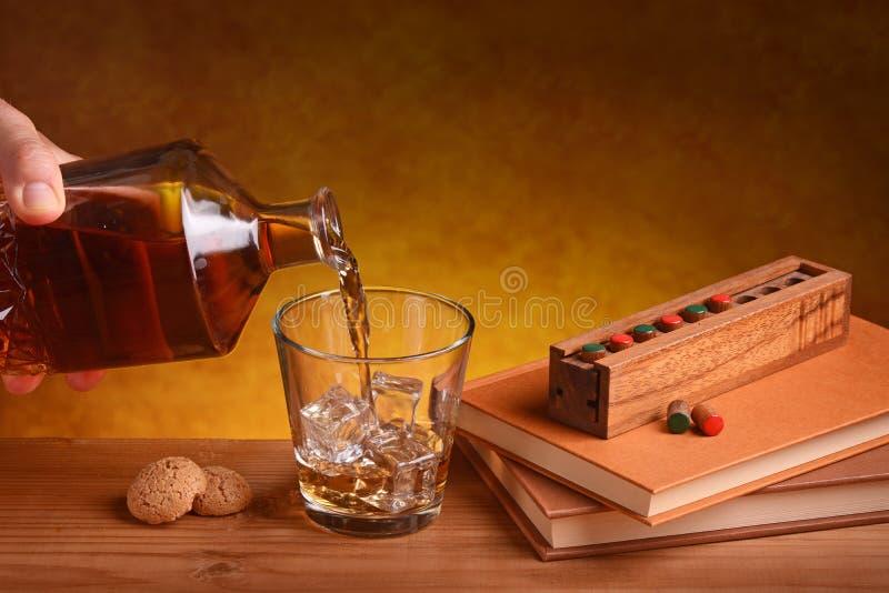 Häll whiskyn arkivbilder