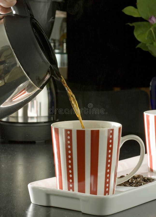 hälla för kaffe royaltyfri foto