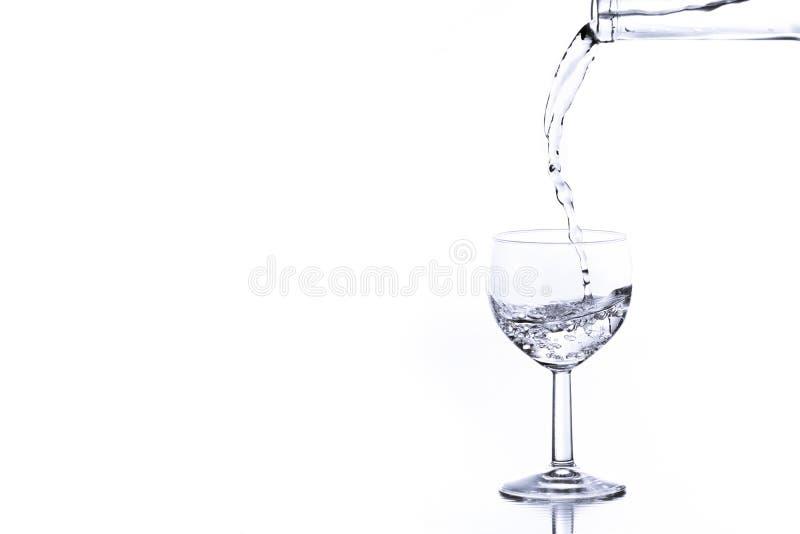 Hällande vatten arkivbild