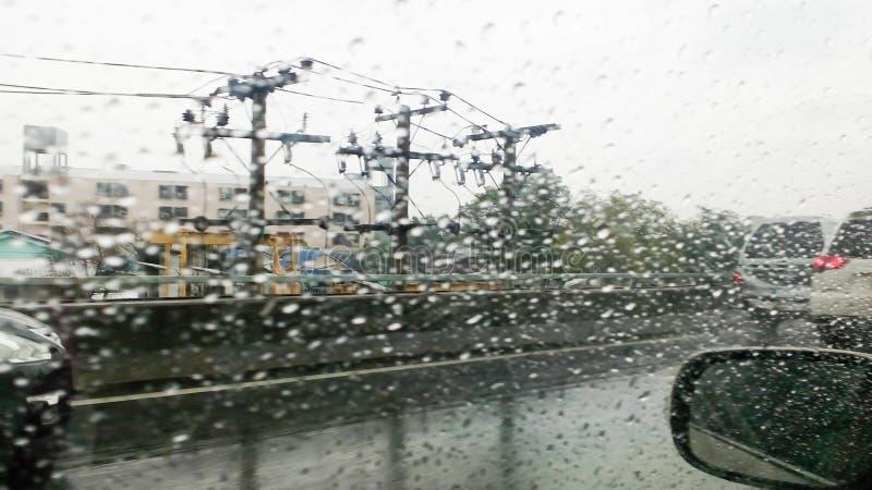 Hällregnsommarmånader av April sommar stormar tack vare royaltyfria foton
