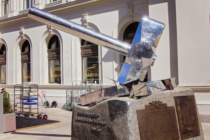 Hämmern Sie Statue in Oslo, Norwegen, Osvald-Gruppe lizenzfreie stockfotografie