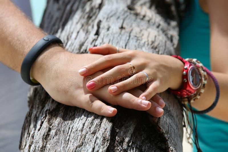Hände der Geliebter stockbild