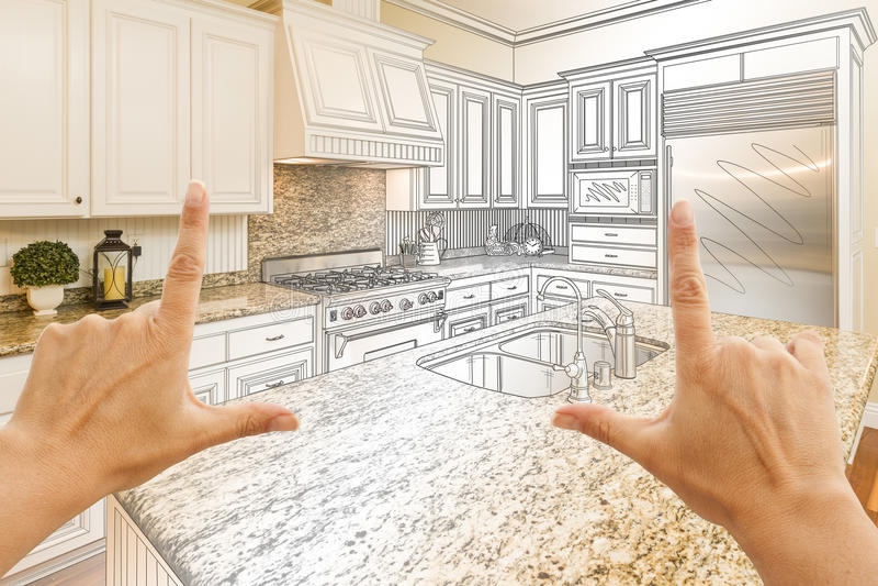 Hände, die Küchen-Konstruktionszeichnung und Foto C Gradated kundenspezifische gestalten lizenzfreie stockfotos