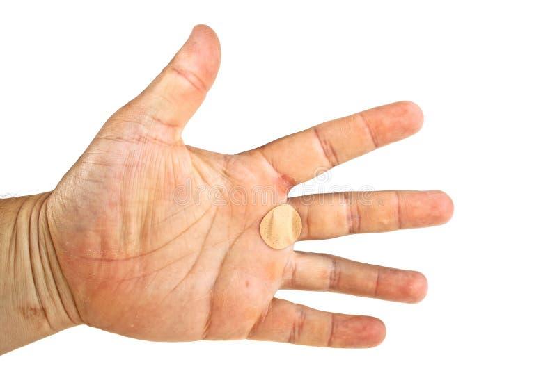 Hände mit klebendem Pflaster auf weißem Untergrund isoliert lizenzfreies stockbild