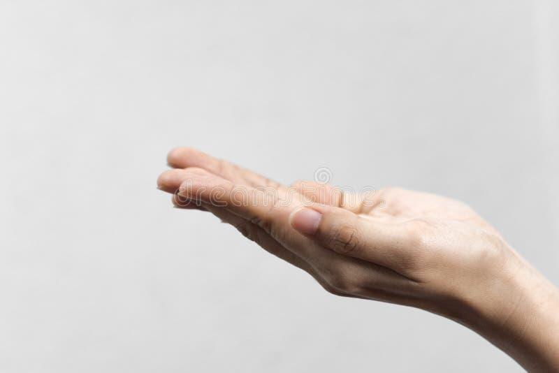 Hände segnen Sie vom Gott auf grauem Farbhintergrund stockbilder