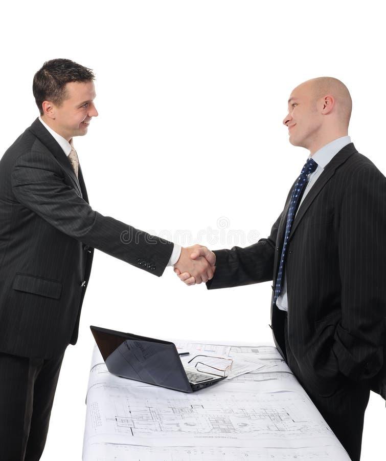 Händedruck von zwei Teilhabern lizenzfreie stockfotografie