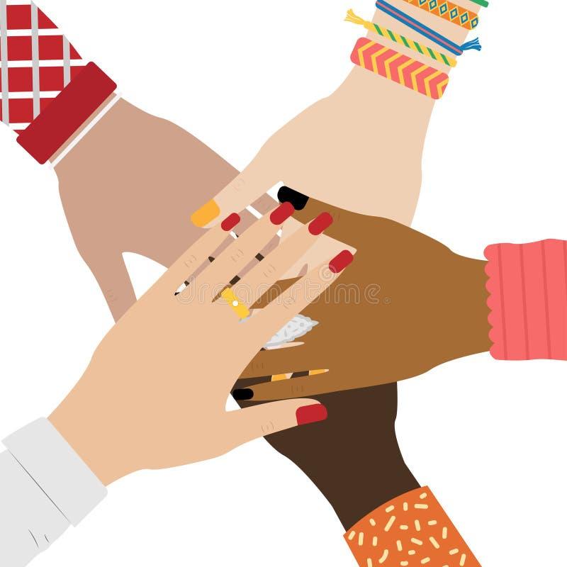 Händer av den olika grupp människor som tillsammans sätter begrepp av samh?righetsk?nsla och teamwork Flickah?nder med smycken vektor illustrationer