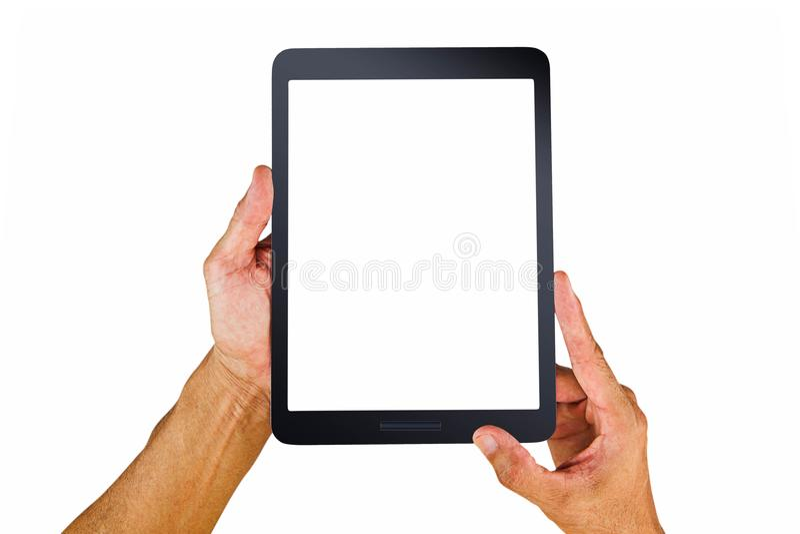 Händer för man` som s rymmer den tomma vita skärmminnestavladatoren på vit bakgrund royaltyfria bilder