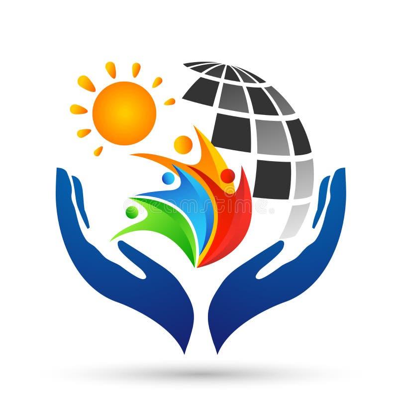 Händer för omsorg för folk för sol för jordkloträddningvärld som tar omsorgfolk för att spara för att skydda vektorn för bestånds vektor illustrationer