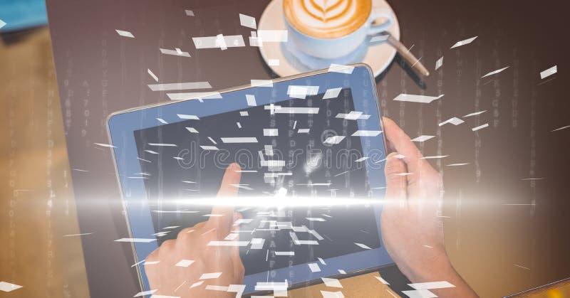 Händer genom att använda den digitala minnestavlan med samkopieringen stock illustrationer