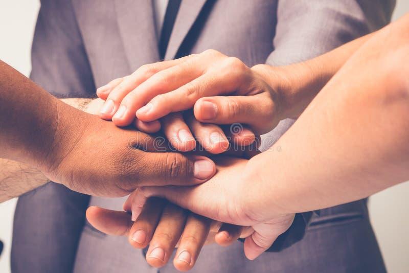 Händer var ett samarbete royaltyfri bild