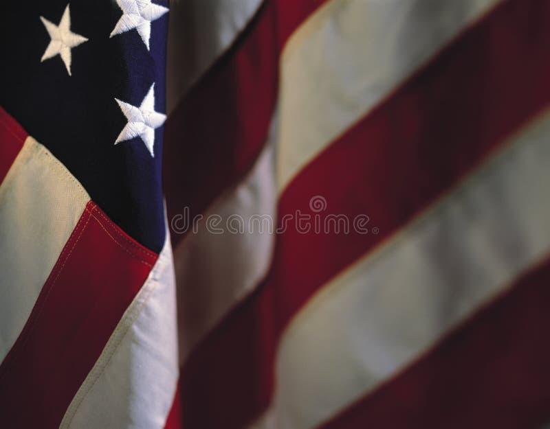 Hängande amerikanska flaggan fotografering för bildbyråer