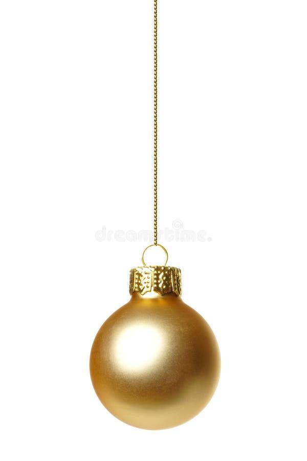 Hängande guld- isolerad julprydnad royaltyfri foto