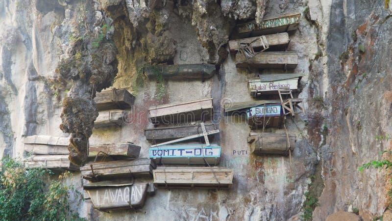 Hängande kistor av Sagada Filippinerna Luzon royaltyfria foton