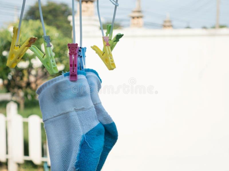hängande sockor arkivfoto