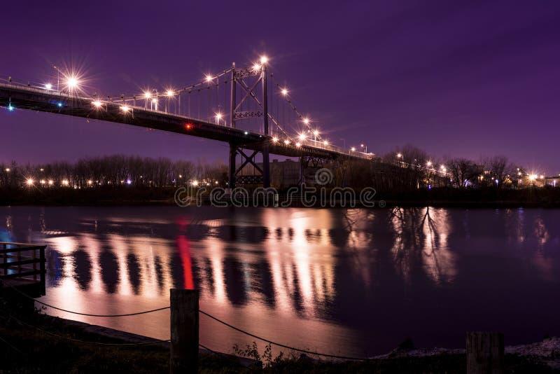 Hängebrücke stockbild