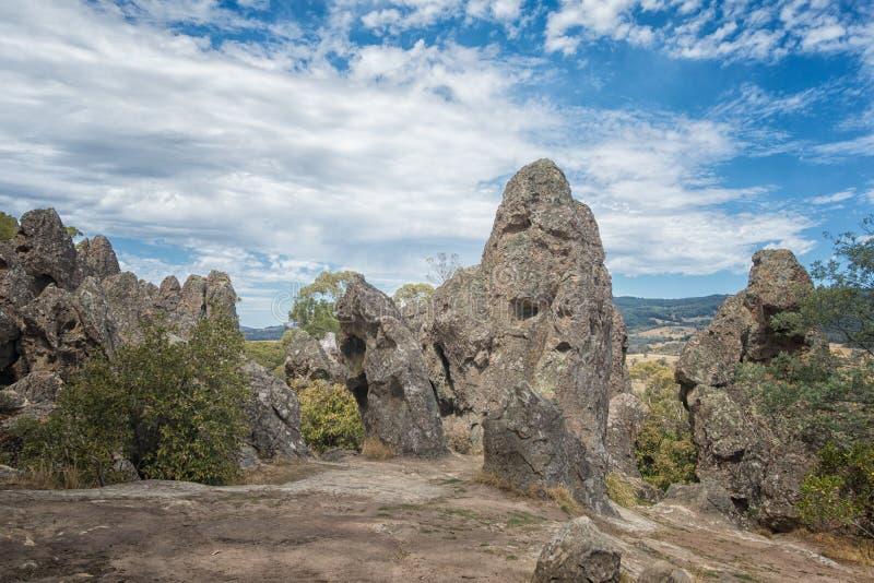Hängender Felsen, Berg Macedon-Strecken stockbild