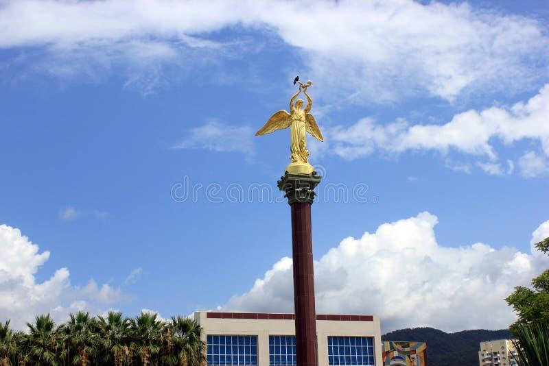 Härlig ängel i himmel fotografering för bildbyråer