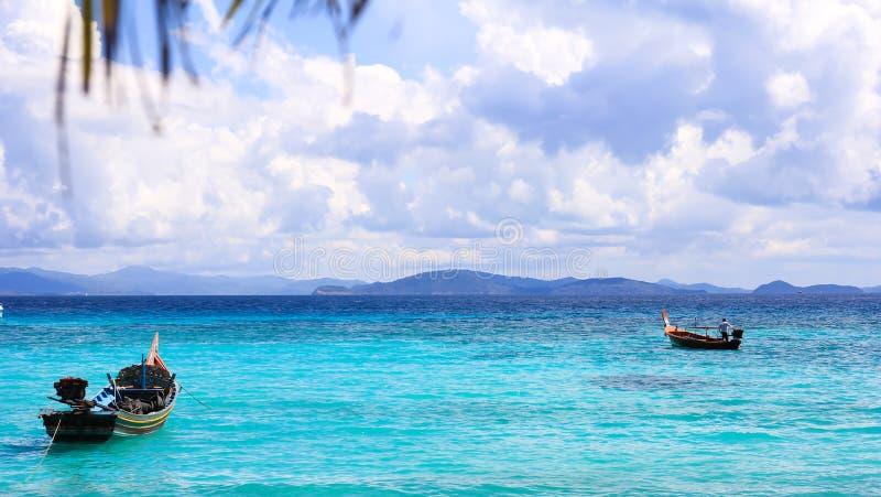 Härlig ö för havssikt royaltyfri bild