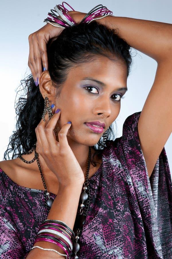härlig östlig indisk kvinna royaltyfri fotografi