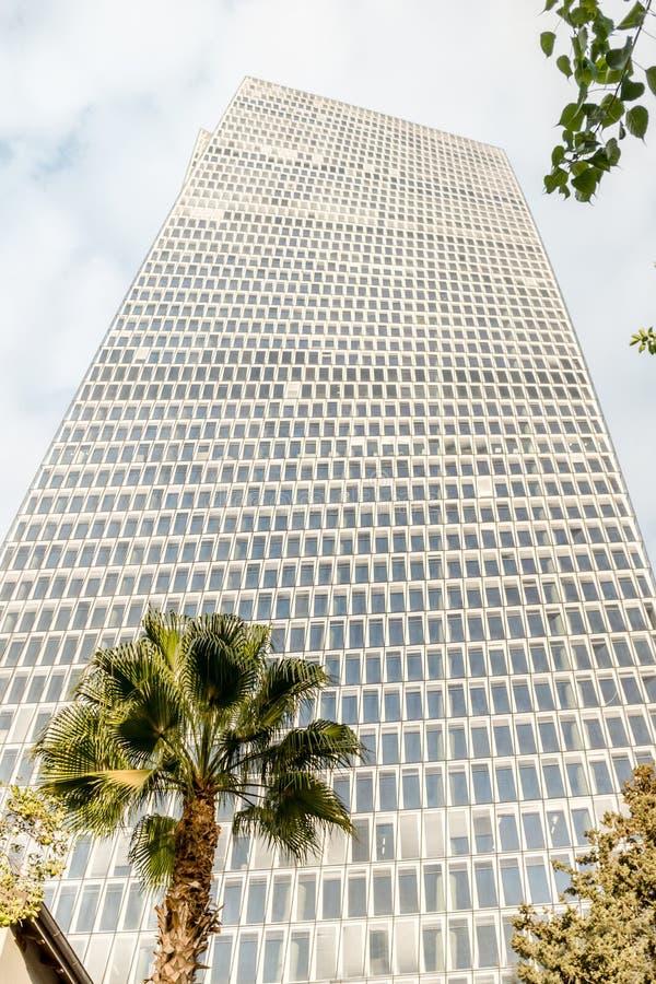 Härlig affärskontorsbyggnad i Tel Aviv Israel turism i stads- stad arkivfoto