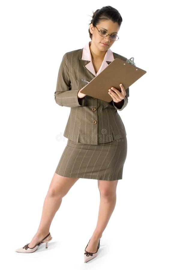 härlig affärslatinamerikankvinna arkivbild