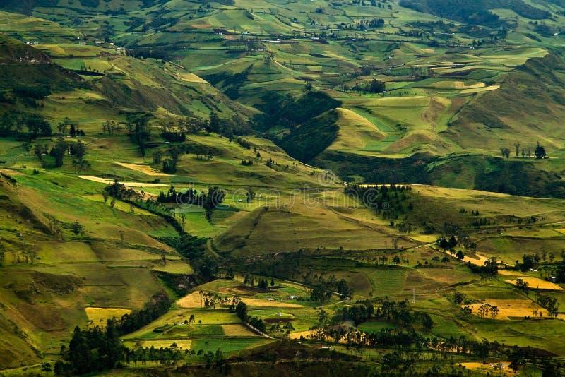 Härlig andean stad av Cañar i Azogues Ecuador royaltyfria bilder