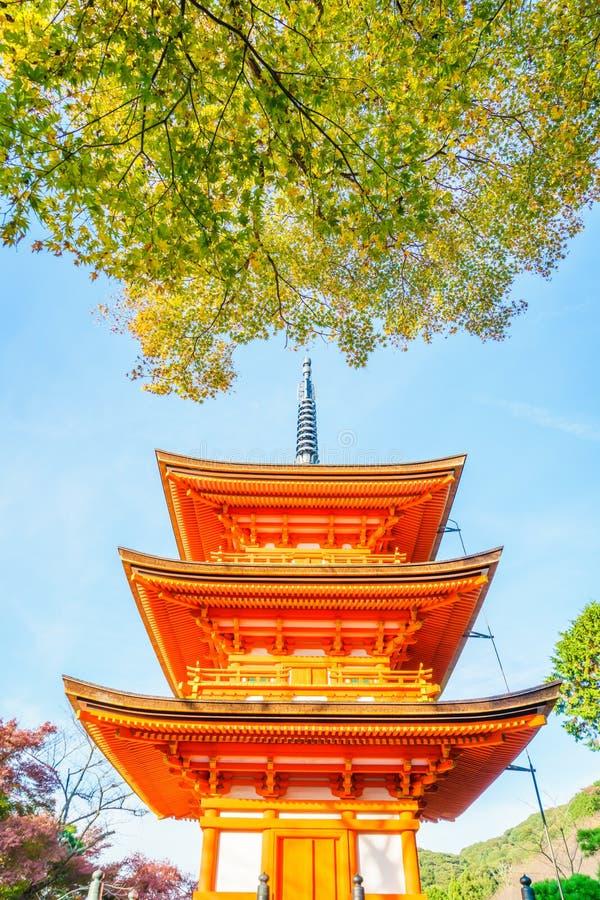 Härlig arkitektur i den Kiyomizu-dera templet Kyoto, arkivfoto