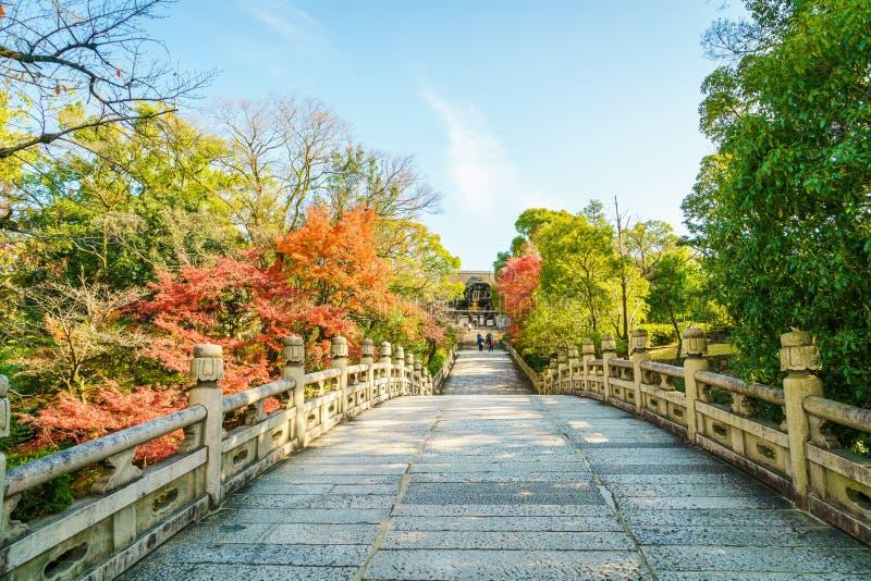 Härlig arkitektur i den Kiyomizu-dera templet Kyoto, Japan arkivfoto
