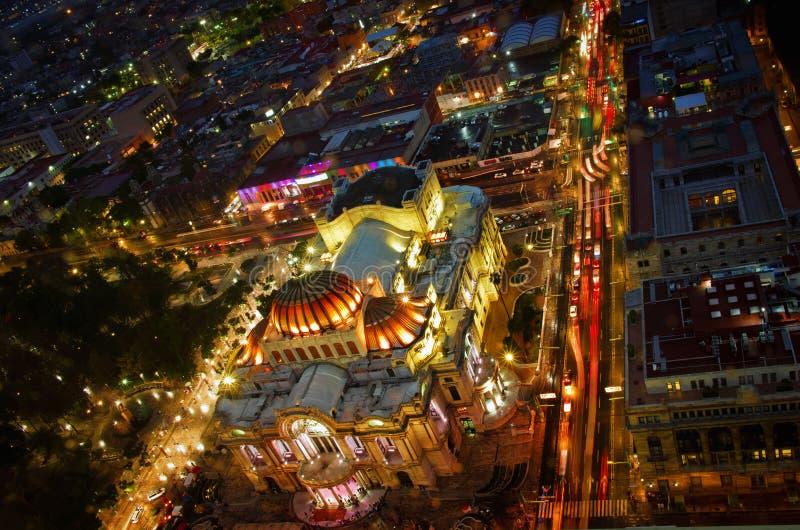 Härlig bästa sikt av Bellas artes på natten, Mexico - stad, Mexico royaltyfri fotografi