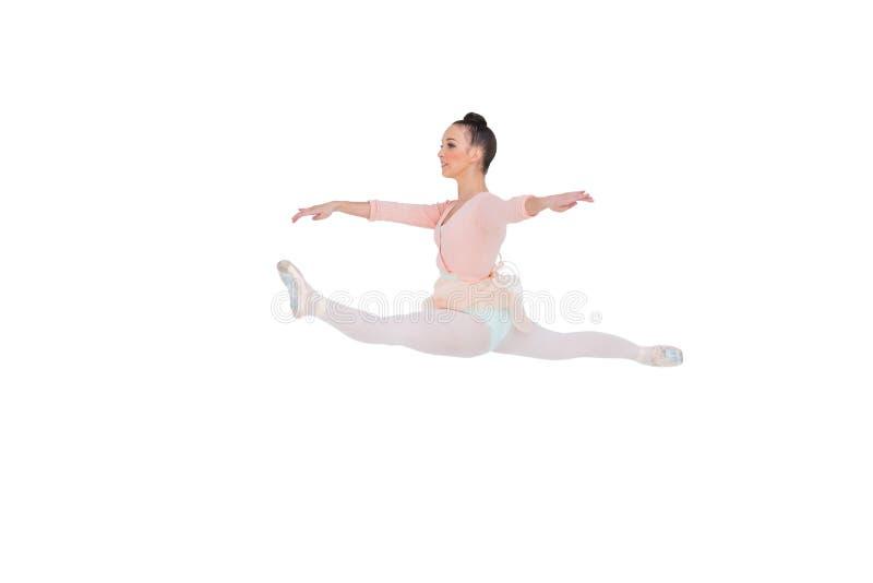 Härlig ballerina som gör splittringarna royaltyfria foton